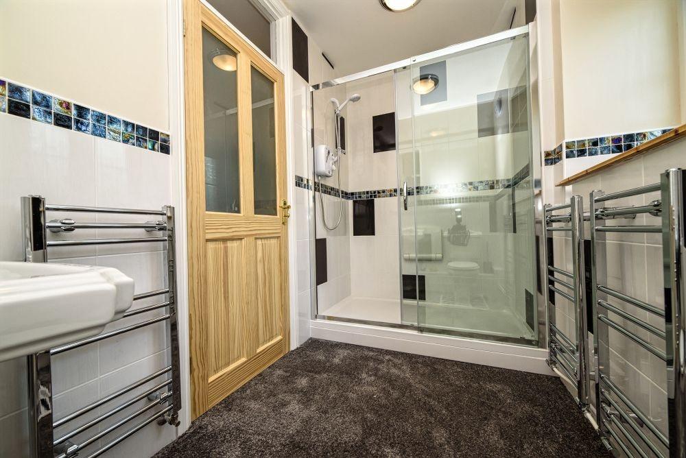 McCallion-shower-room-11